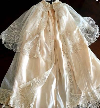 robe bapteme linge ancien drap nappe monogramme brode. Black Bedroom Furniture Sets. Home Design Ideas