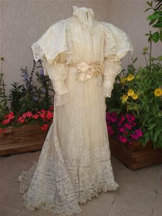 Et je me suis passionnée de MODE FEMININE du XIXème siècle ....